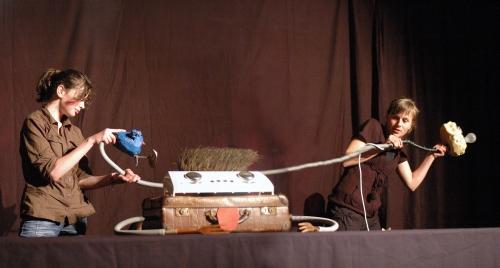 stage de marionnettes Grand Est, Compagnie de Marionnette Lorraine Alsace, Action pédagogique marionnette, action culturelle et artistique Compagnie ABOUDBRAS, compagnie Vosges, spectacle de marionnettes
