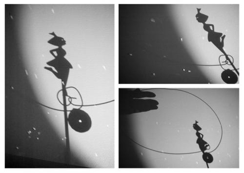 tout petits, spectacles ateliers petite enfance, intervention Les toiles de la nuit, Jessica Blanc, Cie ABOUDBRAS, ombres, lumières, projections lumineuses, théâtre d'ombre, marionnette petite enfance