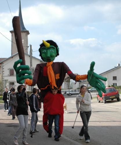 Cie ABOUDBRAS, marionnettes géantes, stages marionnettes géantes, stage ados marionnettes, C'est mon patrimoine, théâtre de Bouxwiller, Théâtre du Marché aux Grains, Bouxwiller,