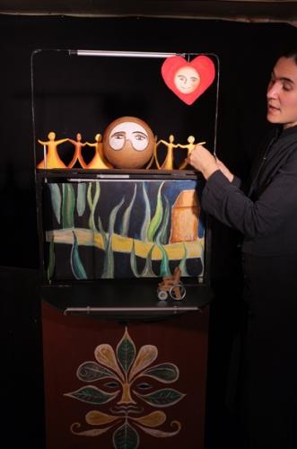 de l'art et du lien, théâtre de poche, action culturelle, ABOUDBRAS, castelet, marionnettes, théâtre de rouleau illustré, théâtre d'objet